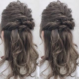 ヘアアレンジ 結婚式 セミロング 二次会 ヘアスタイルや髪型の写真・画像