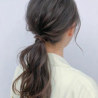 セルフアレンジ 簡単ヘアアレンジ ポニーテールアレンジ セミロング ヘアスタイルや髪型の写真・画像