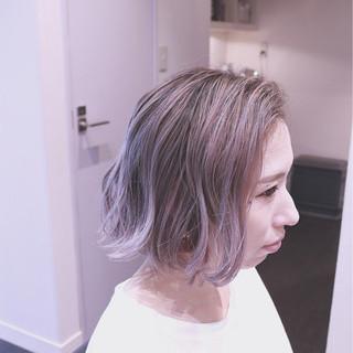 グラデーションカラー パープル ボブ バレイヤージュ ヘアスタイルや髪型の写真・画像