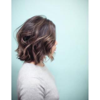 アッシュ グラデーションカラー 外国人風 ゆるふわ ヘアスタイルや髪型の写真・画像