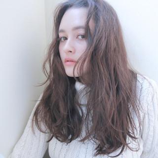 ラフ 外国人風 ウェーブ ナチュラル ヘアスタイルや髪型の写真・画像