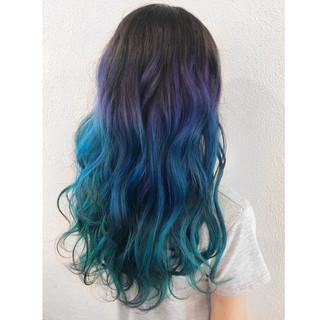 ロング ストリート 波ウェーブ 個性的 ヘアスタイルや髪型の写真・画像