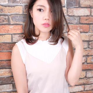 ミディアム 暗髪 フェミニン ストリート ヘアスタイルや髪型の写真・画像