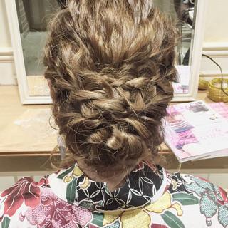 上品 夏 波ウェーブ 結婚式 ヘアスタイルや髪型の写真・画像
