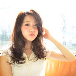 セミロング フェミニン 大人かわいい ガーリー ヘアスタイルや髪型の写真・画像