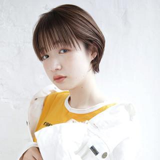 ショートヘア 小顔ショート ナチュラル 簡単ヘアアレンジ ヘアスタイルや髪型の写真・画像