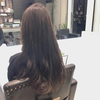 ロング グレー 暗髪 アッシュ ヘアスタイルや髪型の写真・画像 ヘアスタイルや髪型の写真・画像