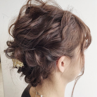 結婚式 謝恩会 フェミニン 波ウェーブ ヘアスタイルや髪型の写真・画像