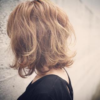 デート ウェーブ 秋 ハイライト ヘアスタイルや髪型の写真・画像