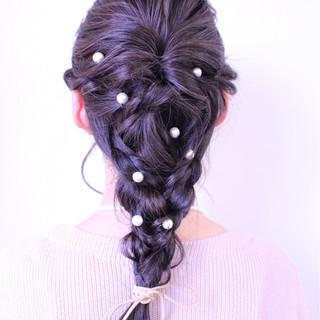 アッシュ ガーリー ヘアアレンジ パールアクセ ヘアスタイルや髪型の写真・画像