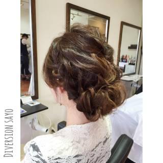 編み込み 波ウェーブ ギブソンタック ラフ ヘアスタイルや髪型の写真・画像