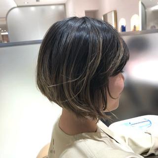 ナチュラル ヌーディベージュ アンニュイほつれヘア 大人かわいい ヘアスタイルや髪型の写真・画像 ヘアスタイルや髪型の写真・画像