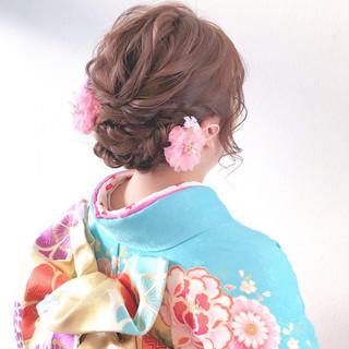 ヘアアレンジ フェミニン 成人式ヘア ミディアム ヘアスタイルや髪型の写真・画像