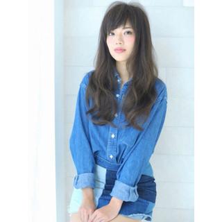 暗髪 外国人風 大人かわいい フェミニン ヘアスタイルや髪型の写真・画像