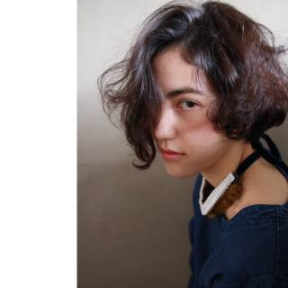 暗髪 ボブ ウェーブ ストリート ヘアスタイルや髪型の写真・画像