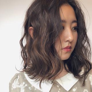 抜け感 デート 外ハネ ロブ ヘアスタイルや髪型の写真・画像