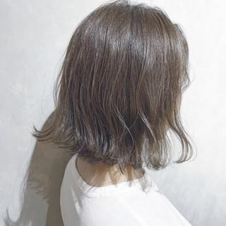 ウルフカット 切りっぱなしボブ ナチュラル ショートボブ ヘアスタイルや髪型の写真・画像