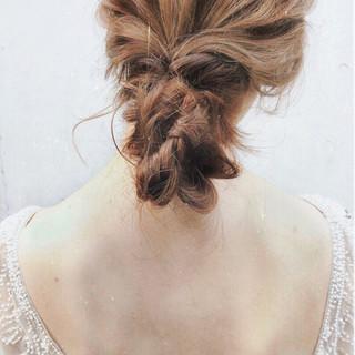 ヘアアレンジ パーティ 大人女子 アンニュイ ヘアスタイルや髪型の写真・画像 ヘアスタイルや髪型の写真・画像