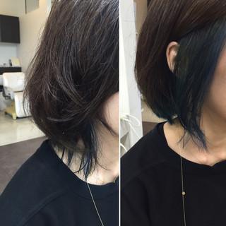 ストリート ボブ ブルー インナーカラー ヘアスタイルや髪型の写真・画像