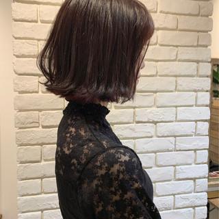 ボブ 外ハネボブ ピンクベージュ ミニボブ ヘアスタイルや髪型の写真・画像