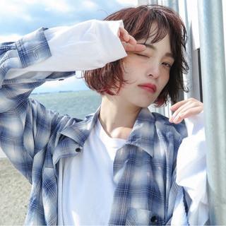 外国人風 ダブルカラー ボブ ストリート ヘアスタイルや髪型の写真・画像