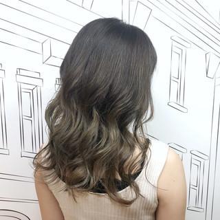 イルミナカラー セミロング 外国人風カラー バレイヤージュ ヘアスタイルや髪型の写真・画像