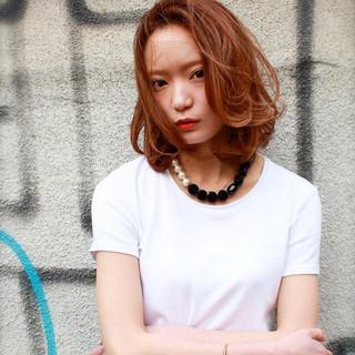 ハイライト ミディアム ゆるふわ 外国人風 ヘアスタイルや髪型の写真・画像