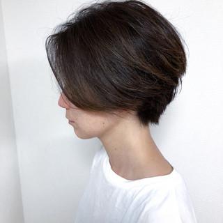 ハイライト ショートボブ ナチュラル 前下がりショート ヘアスタイルや髪型の写真・画像