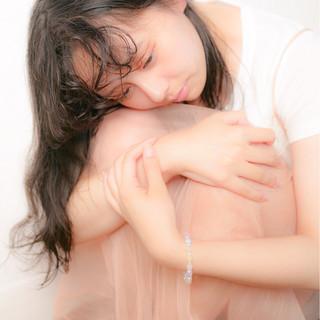 ナチュラル 暗髪 セミロング フェミニン ヘアスタイルや髪型の写真・画像