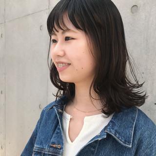 ミディアムレイヤー レイヤースタイル ナチュラル ミディアム ヘアスタイルや髪型の写真・画像