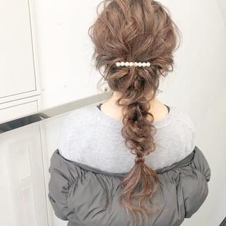 デート アンニュイほつれヘア ヘアアレンジ 簡単ヘアアレンジ ヘアスタイルや髪型の写真・画像