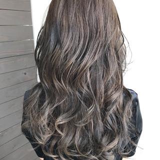 透明感 アッシュ 秋 ロング ヘアスタイルや髪型の写真・画像