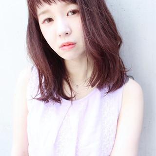 ピンク ミディアム ラベンダーピンク フェミニン ヘアスタイルや髪型の写真・画像