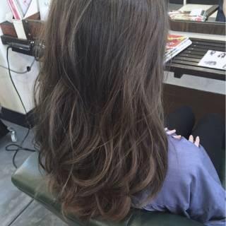 ゆるふわ グレージュ 大人かわいい グレー ヘアスタイルや髪型の写真・画像