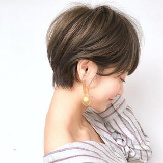 アンニュイほつれヘア スポーツ オフィス ショート ヘアスタイルや髪型の写真・画像 ヘアスタイルや髪型の写真・画像