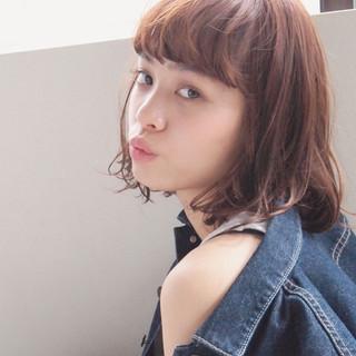 外国人風 パーマ ガーリー ハイライト ヘアスタイルや髪型の写真・画像