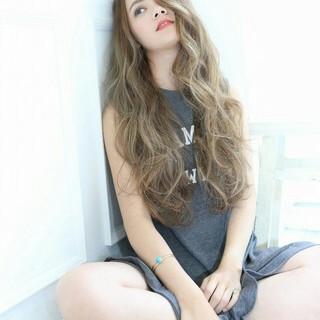 ロング ハイライト アッシュ 外国人風 ヘアスタイルや髪型の写真・画像