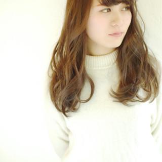 大人かわいい 外国人風 ナチュラル パーマ ヘアスタイルや髪型の写真・画像