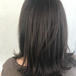 ラベンダーグレージュ 髪質改善トリートメント ミルクティーグレージュ セミロング ヘアスタイルや髪型の写真・画像