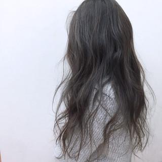 ナチュラル ハイライト グレージュ ロング ヘアスタイルや髪型の写真・画像