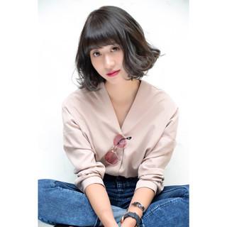 ブルージュ グラデーションカラー ストリート 暗髪 ヘアスタイルや髪型の写真・画像