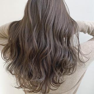 レイヤースタイル 透明感カラー ベージュ ナチュラル ヘアスタイルや髪型の写真・画像