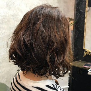 抜け感 ボブ 簡単 ウェーブ ヘアスタイルや髪型の写真・画像