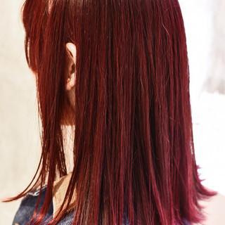 外国人風カラー レッド ミディアム ハイライト ヘアスタイルや髪型の写真・画像