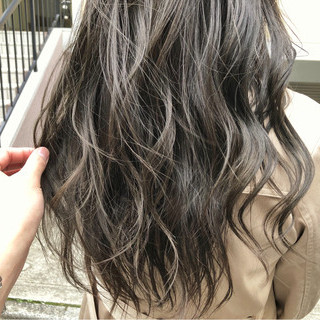 セミロング ゆるふわ ナチュラル グラデーションカラー ヘアスタイルや髪型の写真・画像