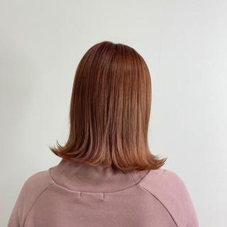 ピンクベージュ ナチュラル 切りっぱなしボブ ピンクラベンダー ヘアスタイルや髪型の写真・画像