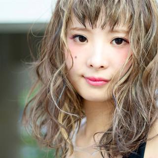 ワイドバング ミディアム ガーリー ピュア ヘアスタイルや髪型の写真・画像 ヘアスタイルや髪型の写真・画像