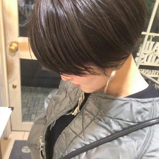 ショート 切りっぱなしボブ ナチュラル ミニボブ ヘアスタイルや髪型の写真・画像