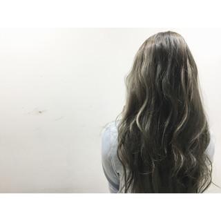 外国人風 ブラウン 暗髪 ストリート ヘアスタイルや髪型の写真・画像