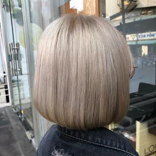 切りっぱなしボブ ミニボブ ストリート ミルクティー ヘアスタイルや髪型の写真・画像